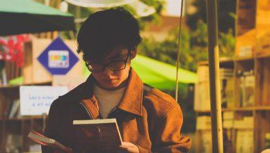 Cowok Kutu Buku