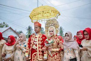 Menikah Itu Murah dan Mudah yang Bikin Mahal Gengsi dan Tradisi