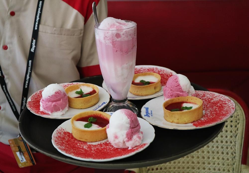 Zang Randi Ice Cream