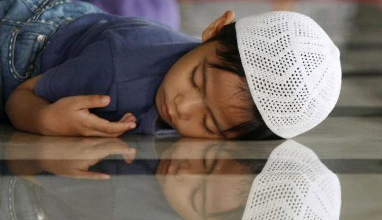 cara menjaga pola tidur saat bulan puasa