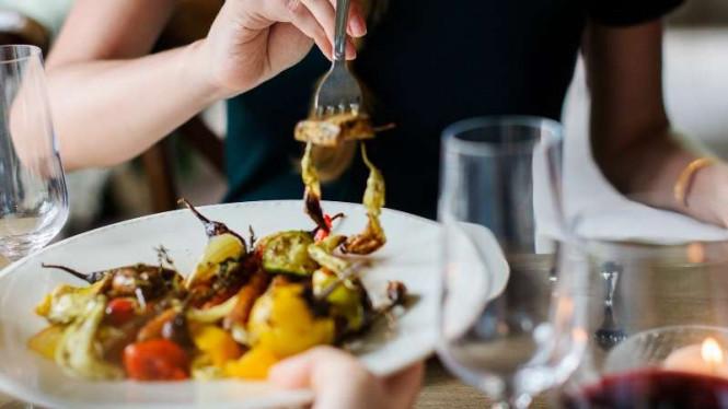 makanan yang tidak boleh dikonsumsi saat sahur