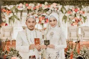 Seandainya Kamu Mengetahui Indahnya Pernikahan, Niscaya Ia Tak Mau Berlama-Lama Menjadi Jomblo