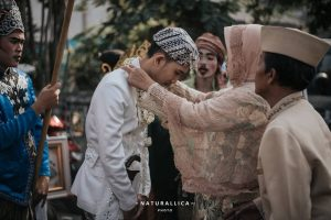 Bu, Jangan Melarang Anakmu yang Ingin Menikah dengan Niat Lillahi Taala