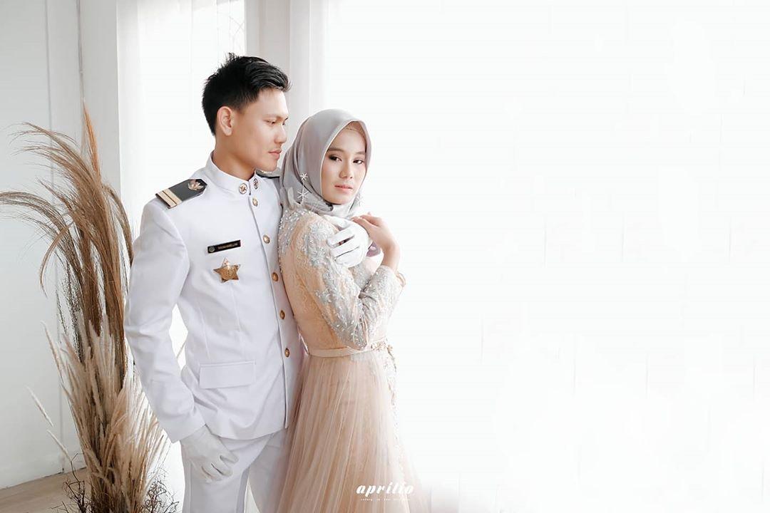 Selamat atas pernikahan kalian