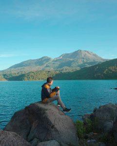 Menikmati Keindahan Danau Talang, Telaga Sunyi di Ketinggian