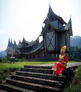 Istano Paraguyung, Destinasi Apik Dibalut Nuansa Alam dan Budaya di Minang
