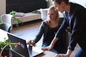 Jangan Mengeluh! 4 Hambatan Karyawan Baru Dalam Dunia Kerja