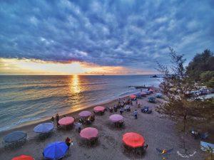 Menyusuri Pantai Gandoriah dan Menikmati Kuliner Khasnya yang Istimewa