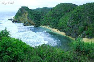 5 Fakta Menarik Pantai Muncar di Gunung Kidul Yogyakarta