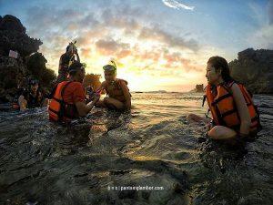 Liburan Asyik  dan Anti Mainstream di Pantai Nglambor, Yuk!