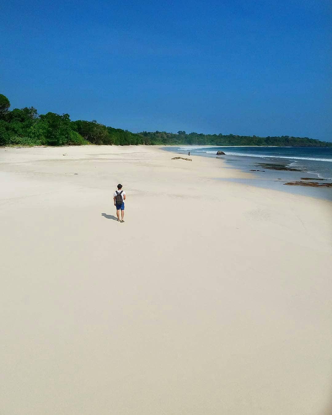 Pantai Ombak Tujuh