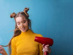 Efek Samping Penggunaan Hairdryer Sebagai Pengering Rambut