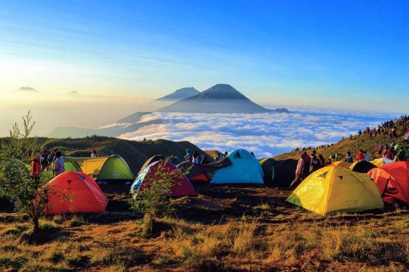 Jalur Pendakian Favorit ke Puncak Gunung Prau